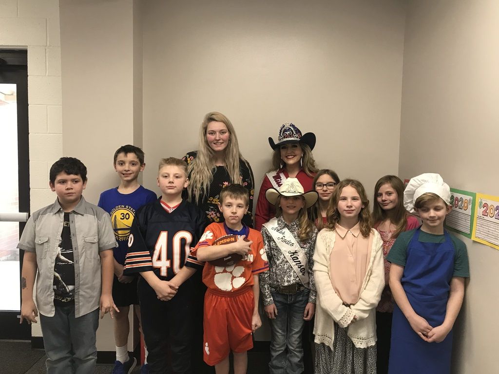 4th grade class who gave presentations on a famous Kansan.